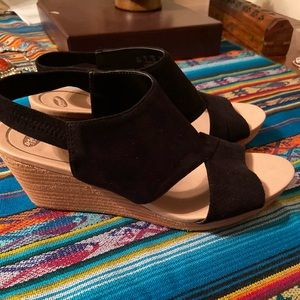 BRAND NEW Dr. Scholl's sandal wedges
